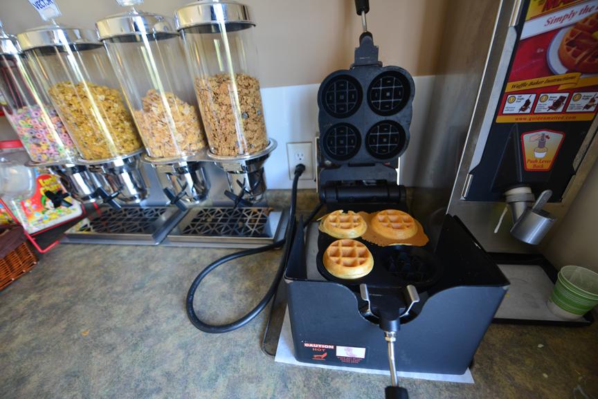 Pinewood Breakfast Fixings